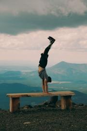 nick_handstand